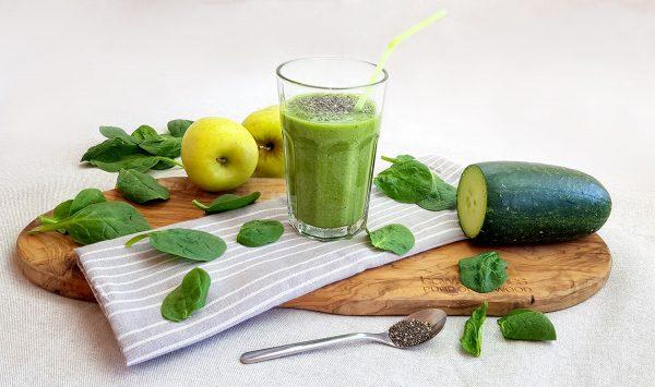 Groene smoothie met spinazie en komkommer - Clean eating, Glutenvrij, Lactosevrij, Paleo, Vegan